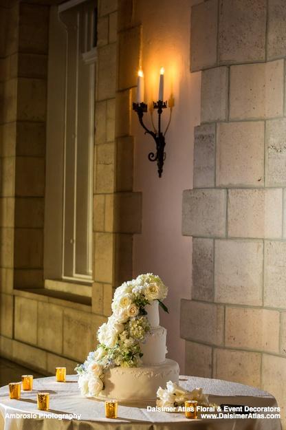 wedding-florist-flowers-decorations-wedding-flagler-museum-palm-beach-florida-dalsimer-atlas-blog