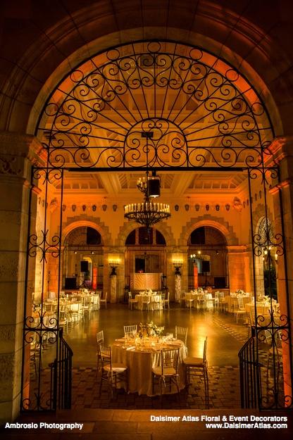 wedding-florist-flowers-decorations-wedding-flagler-museum-palm-beach-florida-dalsimer-atlas