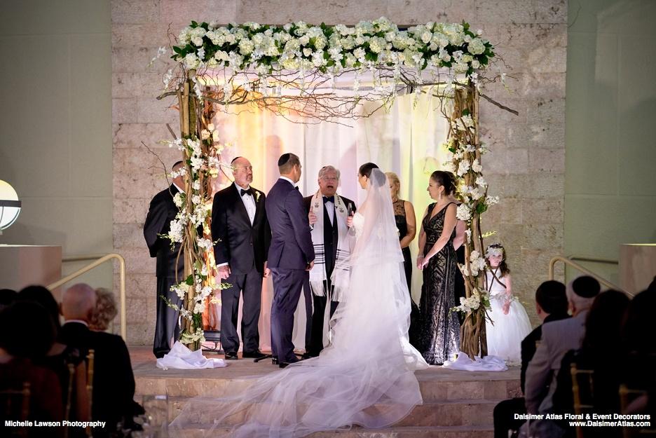 wedding-florist-flowers-decorations-Congregation-B'nai-Israel-Boca-Raton-florida-dalsimer-atlas